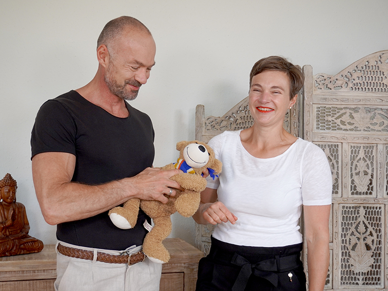 Foto Arzt Karl Hartner mit Praxismanagerin Christina Kremer